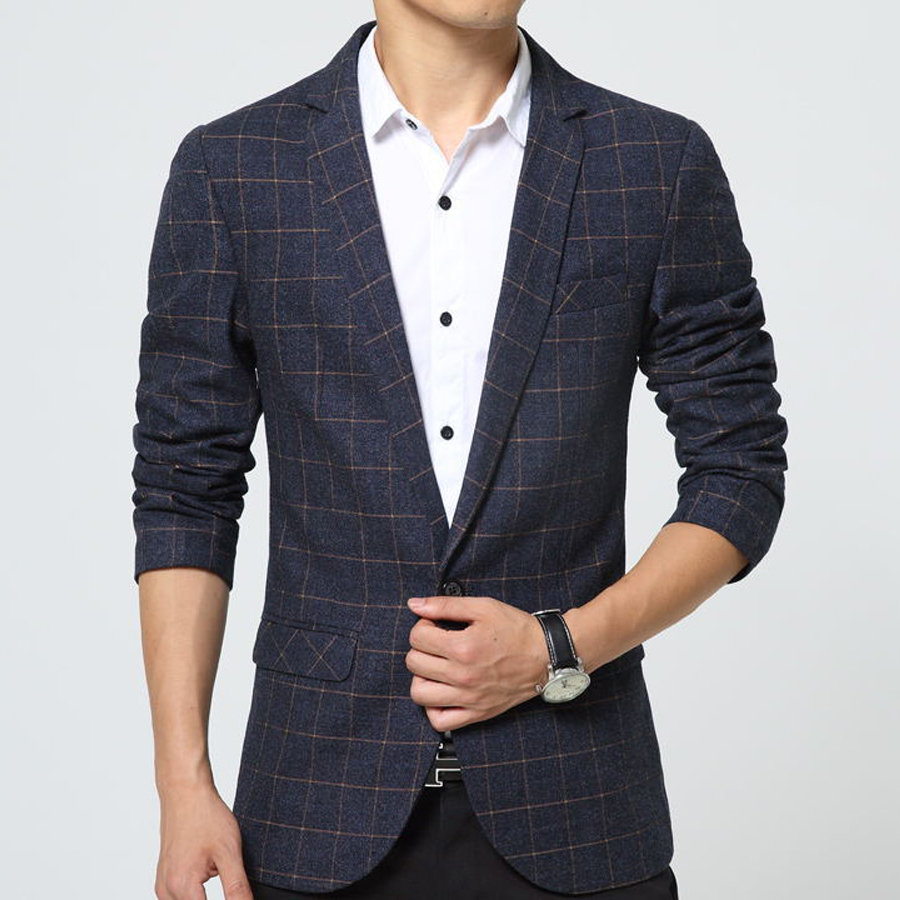 Discover casual details in structured suited looks too. From the printed look of check patterned Tallia blazer to the houndstooth windowpane design of a Tasso Elba jacket, you'll be able to combine men's casual blazers with formal attire.