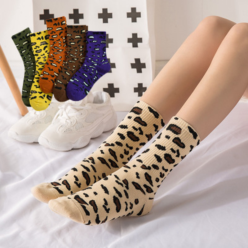 Hot 2019 Autumn Winter Warm Fashion Heap Heap   Socks   Cotton Leopard Women's   Socks   Personality Retro Wholesale
