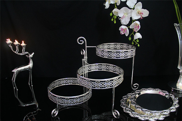3 Tier Iron Cake Stand with 3 Dish Silvery Cupcake Holder Desserts - Kitchen, Dining and Bar - Photo 6
