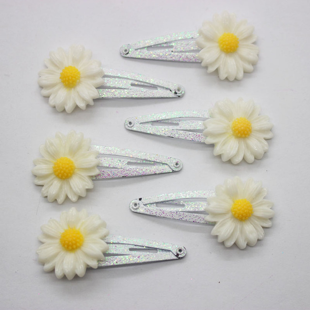 2017 de moda hairgrips horquillas flor blanca Pequeña margarita de metal  brillo broches para mujeres niñas 464f0c3b167
