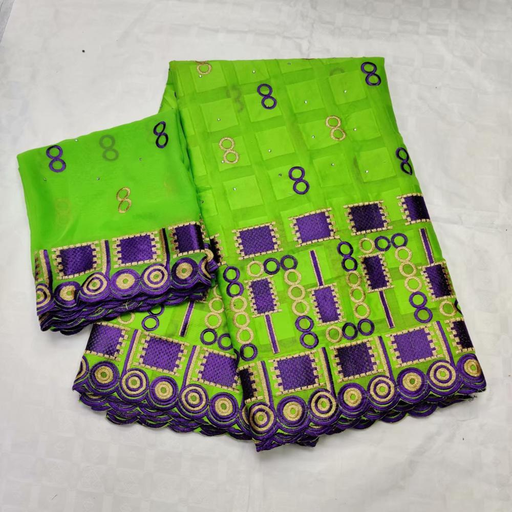 Le plus nouveau tissu carré de dentelle de coton dubai tissu suisse de dentelle de voile 5 + 2yards tissu africain de dentelle de coton pour la robe F1QZJUL193