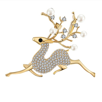 B003 2019 New Female Elk Brooch Quality Copper Brooch High End Crystal Freshwater Pearl Brooch Women Dress Coat Scarves Suits