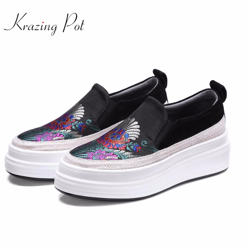 Krazing Pot kid suede silk embroidery platform loafers sneakers women round toe slip on female mixed color vulcanized shoes L63 цена 2017
