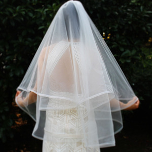 Image 3 - Short 2 Layers Wedding Veil with Horsehair Edge 2T Elegant New White Ivory Bridal Veil with Comb Wedding Accessories