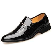 Zapatos de vestir para hombre con punta puntiaguda, zapatos de boda negros transpirables, traje Formal, zapatos de oficina para hombre, cuero charolado, Oxford, 2019