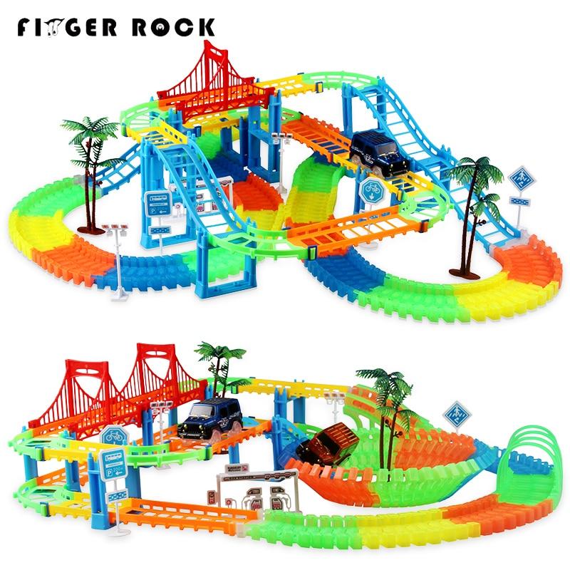 Conectar 2 tipo de tren mágico pista de carreras juego de curva luminosa carrera Flash electrónico Luz Juguetes Para los niños
