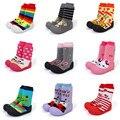 2015 nova attipas mesmo projeto sapatos de bebê sapatos da menina do menino Mocassins Sapatos de Bebê recém-nascido Sapatos Enfant Meias Sola De Borracha Crianças botas
