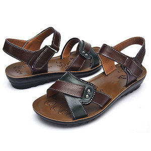 Image 4 - Женские сандалии из натуральной кожи на плоской подошве, летние шлепанцы на липучке, пляжная обувь, модные красные сандалии
