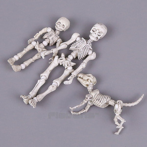 Image 4 - Leuke Mode Ontwerp Mr Botten Pose Skelet Model met Hond Tafel Bureau Boek mini PVC Figuur kinderen Speelgoed Collectible Gift