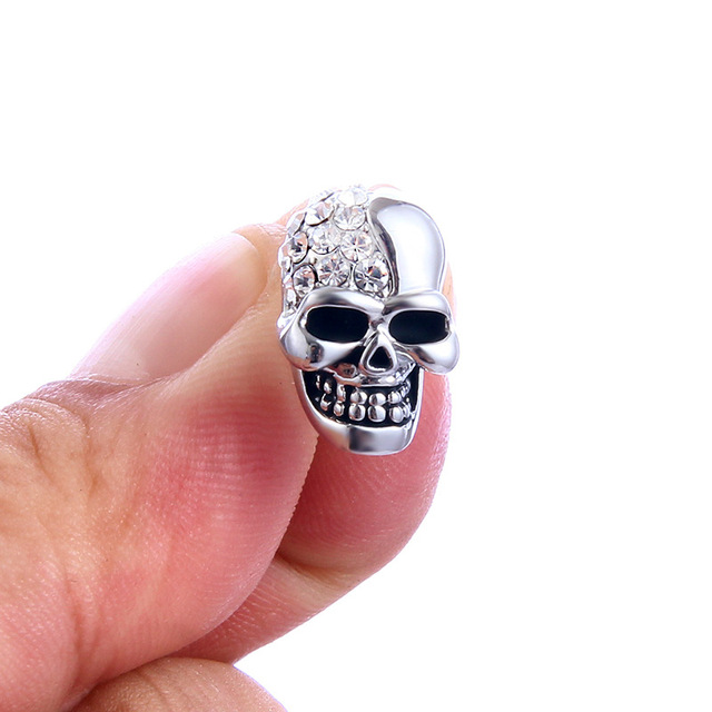Skull Rhinestone Stud Earrings1