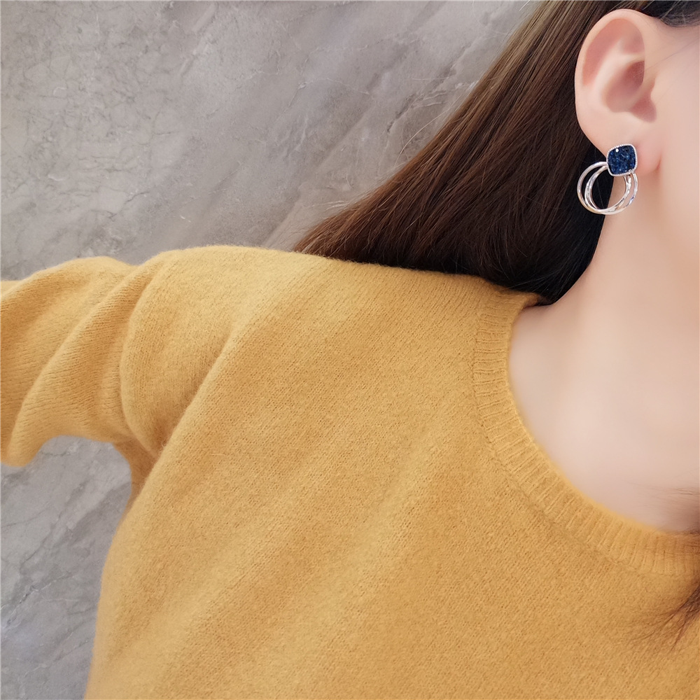 HTB1qPJpairxK1RkHFCcq6AQCVXa2 - 2018 New Fashion Zinc Alloy Classic Round Women Dangle Earrings Korean Deep Blue Crystal Circle Jewelry For Female