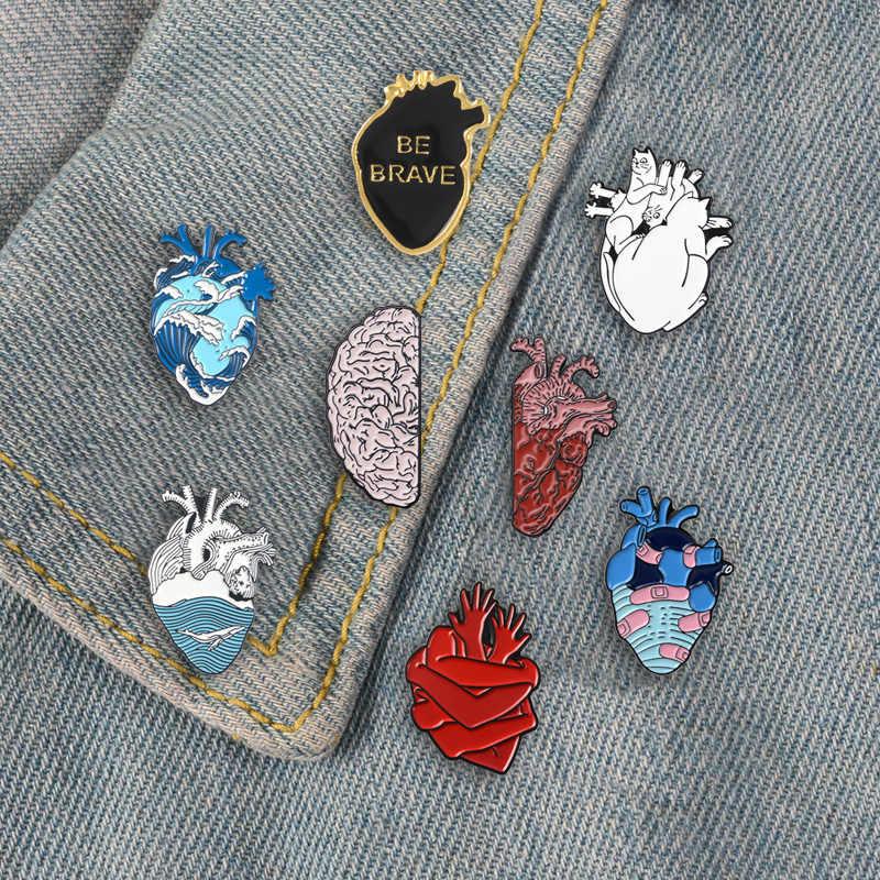 หัวใจมนุษย์สมอง Punk Pins Creative Design อุปกรณ์เสริมเข็มกลัดป้ายกระเป๋าเป้สะพายหลังเคลือบของขวัญ Pins สำหรับเพื่อนเครื่องประดับขายส่ง
