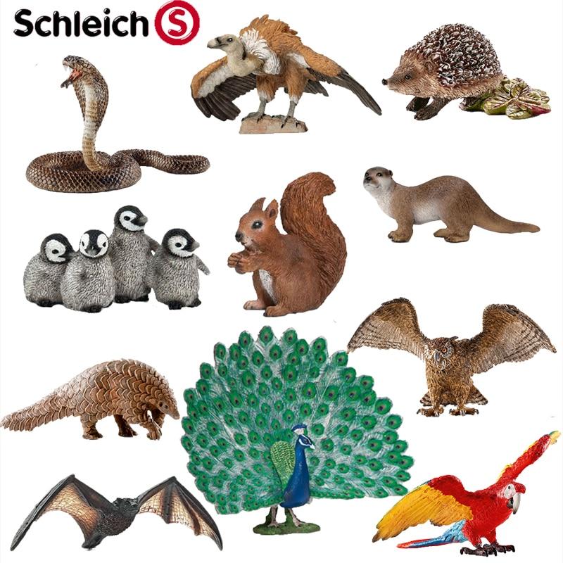 Refined simulation animal Hedgehog Owl Cobra Macaw Bat Rattlesnake Vulture Otter Peacock Pangolin Squirrel Toy model otter box чехол