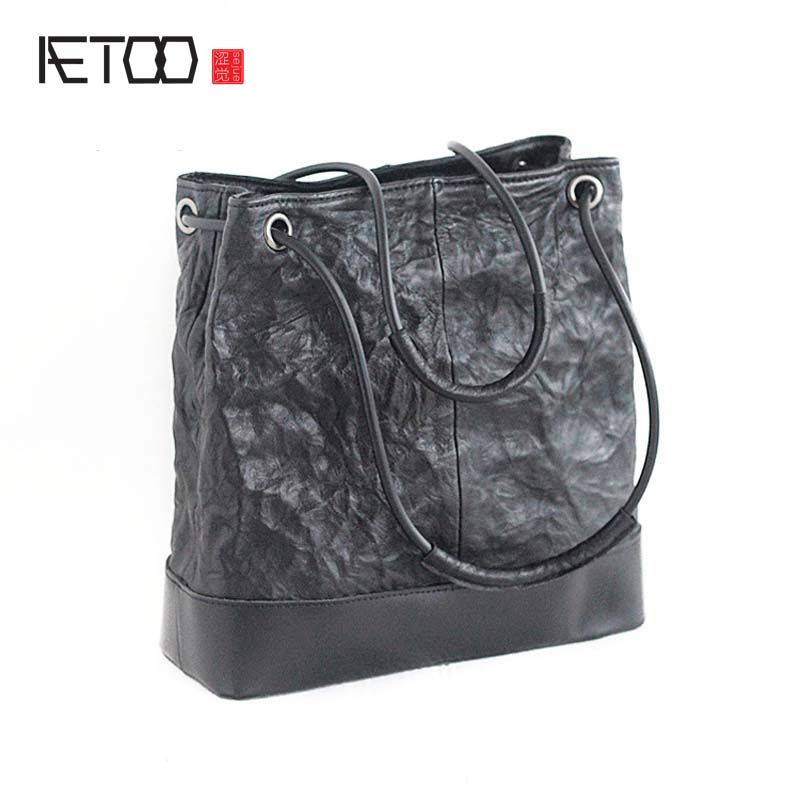 AETOO Brand The new retro tanned sheepskin and the first layer of cowhide handbags women casual fold leather handbag large bag aetoo leather men bag new retro first layer of leather handbag large capacity vegetable tanned leather shoulder bag