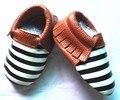 Fábrica al por mayor de rayas de los bebés zapatos de Bebé de Cuero Genuino Mocasines Zapatos de Niña Borla Infantil Bebe suaves únicos Zapatos Zapatillas