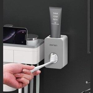 Image 3 - Suporte de escova de dentes magnética com creme dental espremedor com copos para 2/3 pessoas no banheiro rack armazenamento prego montagem livre