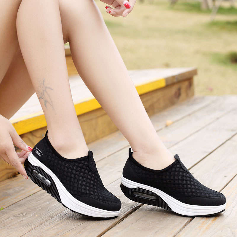2019 Flat Net Shoes Women Summer Light Breathable And Comfortable Shoe Mom Large Size Shoes 35 42 Indoor Shoe Elderly Sneakers