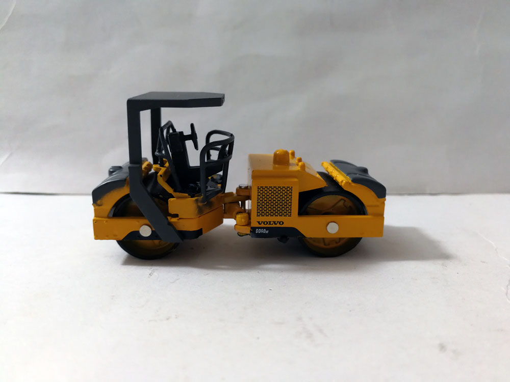 Volvo dd90hf Compactor D/'Asphalt Vehicles of Construction 1//72 New