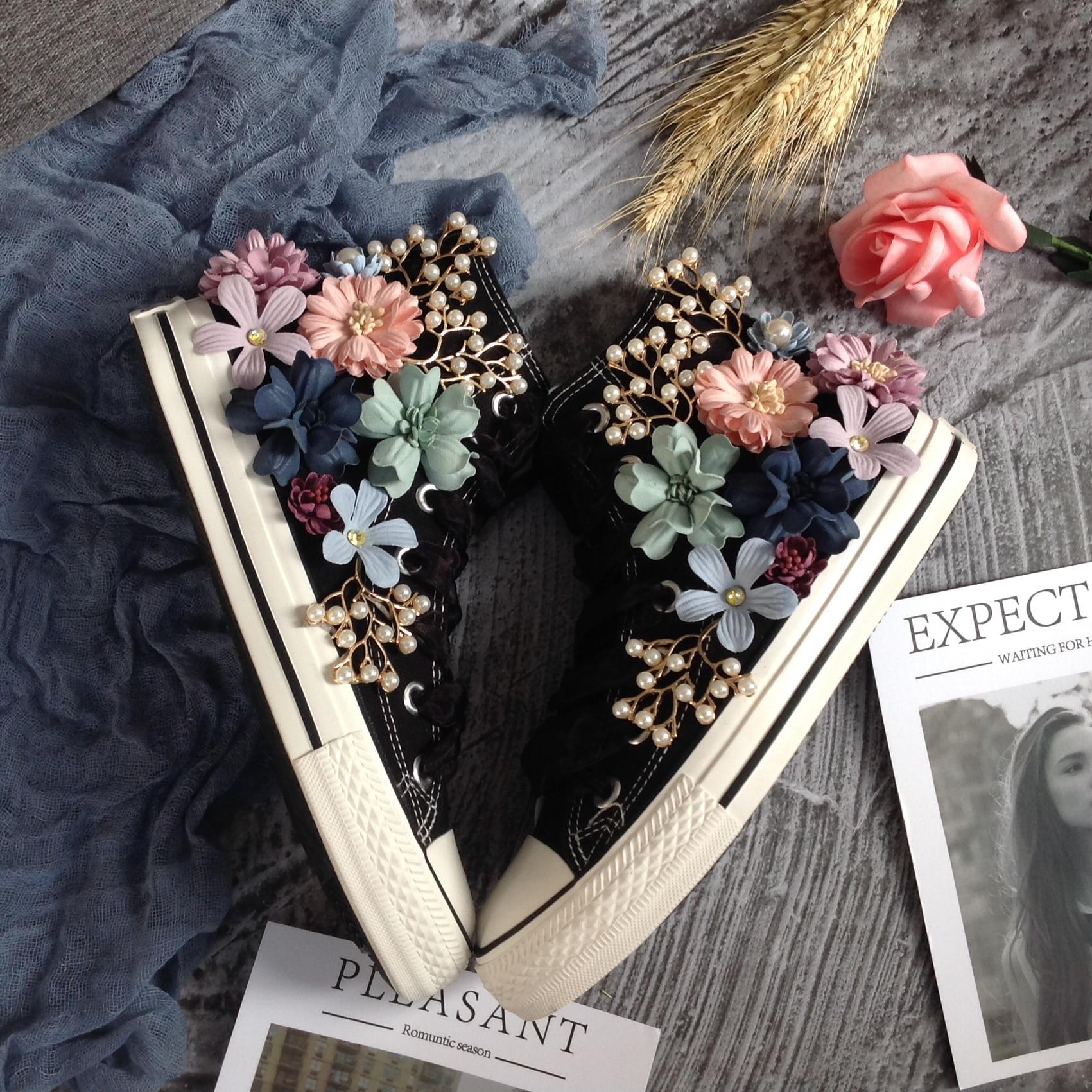 Женские парусиновые бусы со стразами; спортивные кроссовки с цветочным принтом и жемчугом; обувь на плоской подошве с высоким берцем; краси