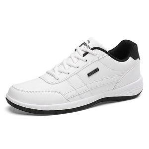 Image 3 - אופנה גברים סניקרס גברים נעליים יומיומיות לנשימה תחרה עד Mens נעליים יומיומיות אביב עור נעלי גברים chaussure homme