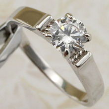 Size #6 #7 #8 #9 #10 Simple Stylish Nice White CZ Gems Ring Platinum Plated Jewelry Gift For Women MB173B