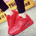 Homens Sapatos Casuais Sapatos de Desporto de Ar Cesta Femme Formadores Zapatillas Hombre Andando Amantes Sapatos Baixos Malha Respirável Lazer Fundo Vermelho