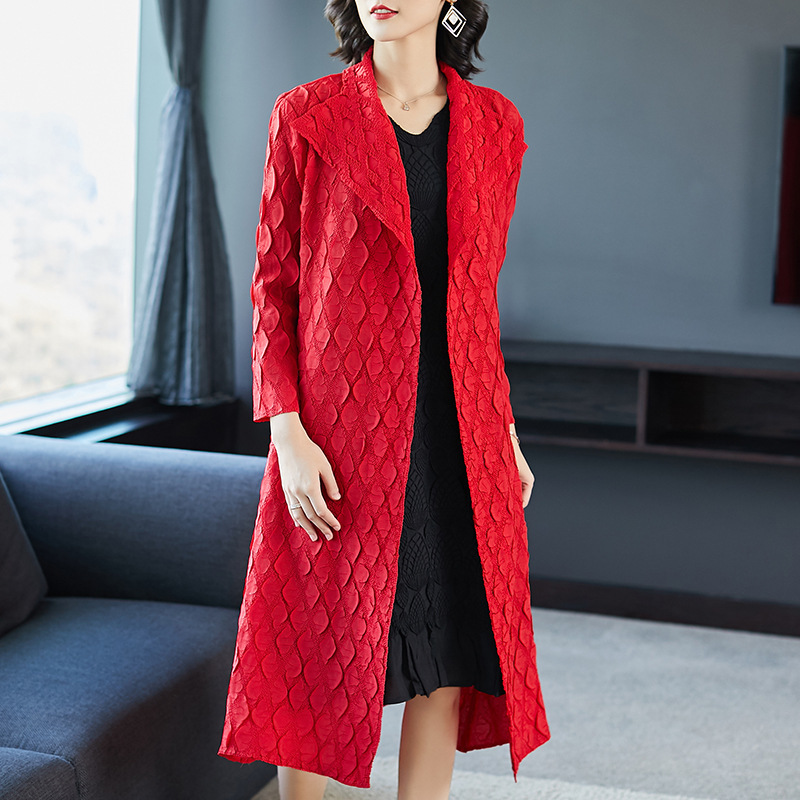 LANMREM 2018 new fashion spring summer pleated clothing for women cardigans long type overcoat female's   trench   Vestido YG548