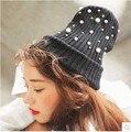 2015 Nova marca de moda venda quente preto cinza inverno quente malha pérola beading cap chapéu gorro mulheres