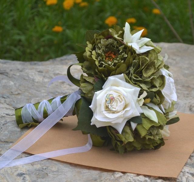 Handgemachte Kunstliche Blume Hochzeit Braut Mit Blumen Weiss Grun