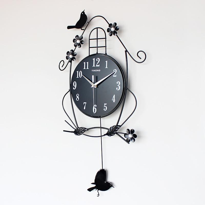 Modern Home Fashion Restaurant Clock European Creative Personality Art Large Wall Clock Mute Simple Decorative Quartz Clock Heat