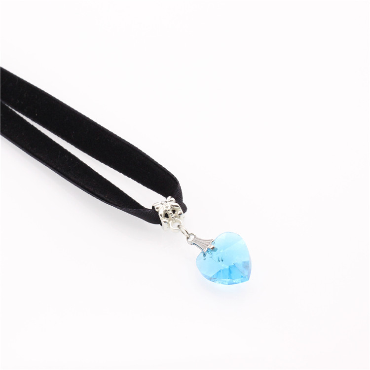 HTB1qRC8QFXXXXaGXFXXq6xXFXXXU - New Fashion Woman Velvet Choker Heart Crystal Pendant Necklaces For Women Jewelry Female Black Ribbon Necklace Party Gift Collar
