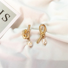 Retro geometric asymmetric freshwater pearl earrings female temperament contracted ms Delicate