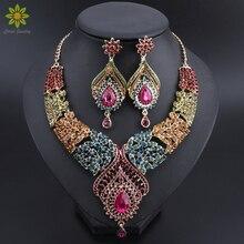 Hot Koop Goud Kleur Multicolor Crystal Rhinestones Veer Vormige Ketting Oorbellen Set Afrikaanse Bruids Sieraden Sets