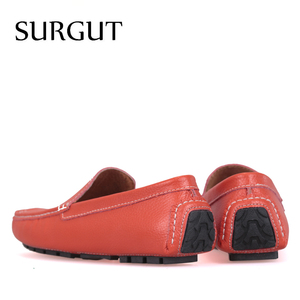 Image 2 - SURGUT Brand New Colors Cow Split Leather Men Flat Shoes Brand Moccasins Men Loafers Driving Shoes Fashion Casual Shoes Hot Sell