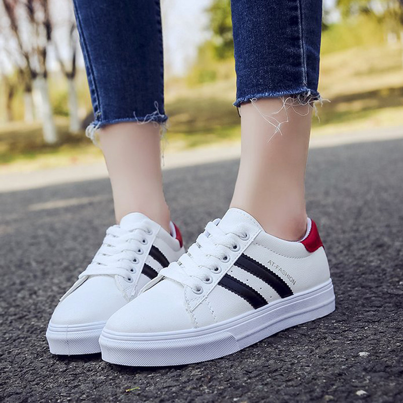 2018 Women Vulcanized Shoes Sneakers Ladies Lace-up Casual Shoes Breathable Walking Canvas Shoes Fashion Flat Shoes