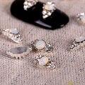 10 pcs Glitter branco 3d Decorações Da Arte Do Prego com Strass, liga Etiqueta Do Prego Encantos Jóias para Unhas de Gel/Polonês Ferramentas TN921