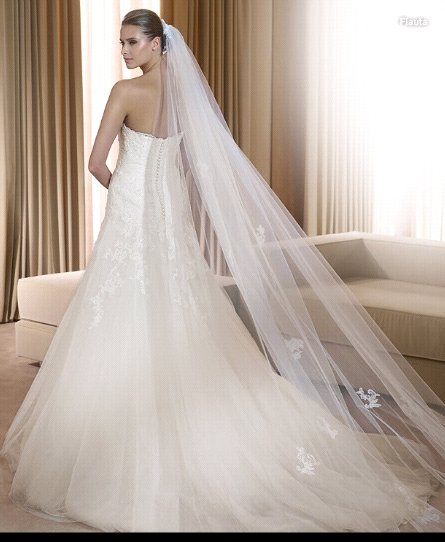Long Cut Ivory White 1T Long Wide Simple Bridal Veils