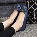 Mulheres saltos lisos moda Plus Size Couro Genuíno Marcas Mulheres Sapatos dedo do pé redondo Slip-On primavera Flats Loafers condução sapatos