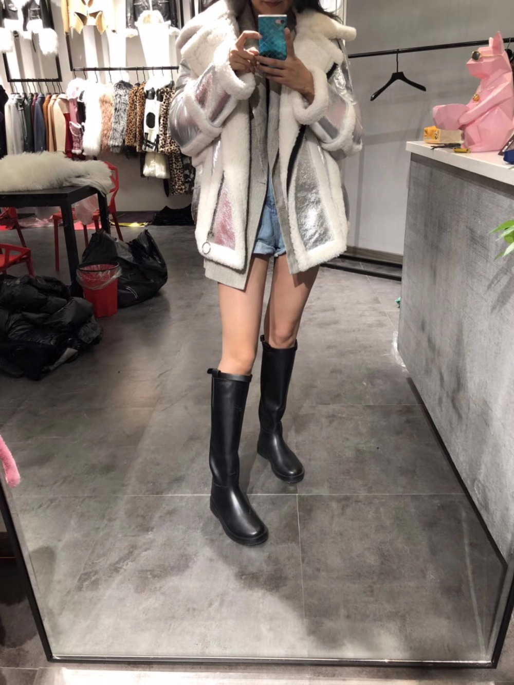 women real fur and leather coats (23)