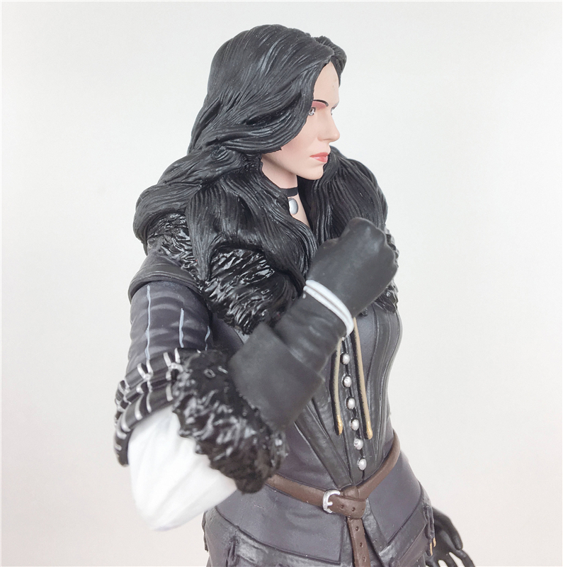 The Witcher 3 - Wild Hunt: Yennefer Figure Dark Horse The Witcher PVC Game Figure Collection Model Toy fire maple sw28888 outdoor tactical motorcycling wild game abs helmet khaki