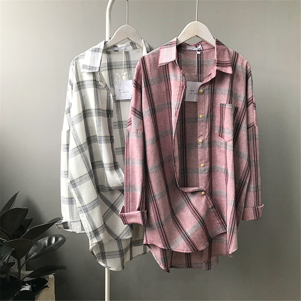Big Loose women plaid blouses shirts 2018 Women Office Air Conditioner Blouse Shirt Female Outerwear Casual Pocket Shirts (3)
