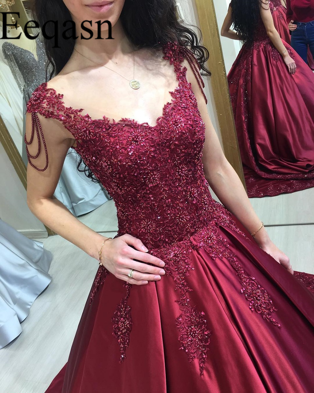 Luxury Burgundy Prom Dresses Long Sexy V Neck Lace Beading Saudi Arabic Satin Prom Gowns Formal Evening Party Dress for Women