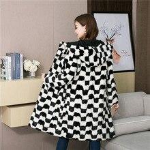 Kobiety naturalne kawałki płaszcze z futra norek Oversize z kapturem zimowa prawdziwe futro odzież wierzchnia długi Plus rozmiar