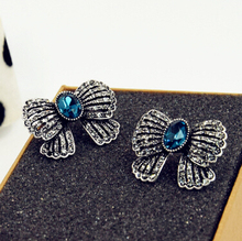 цена на New Arrival Retro Elegant black gun plated Crystal Bowknot  Stud Earrings for Women Wholesale and Retail