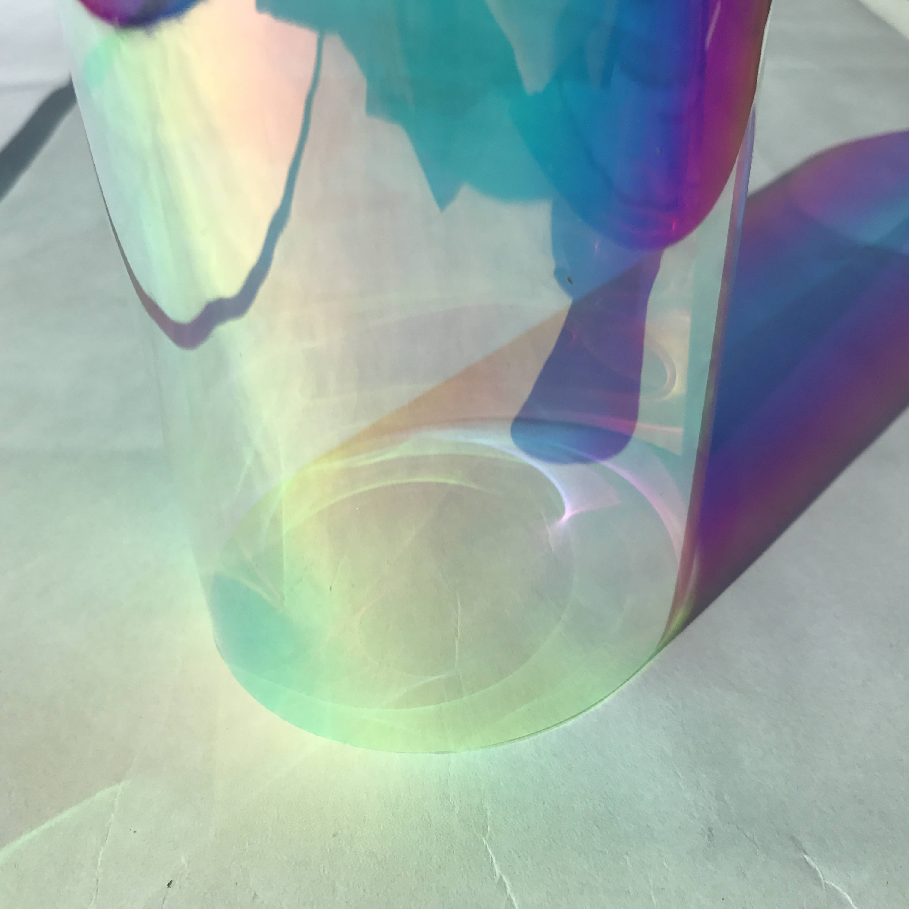 Film de fenêtre pour animaux de compagnie de construction dichroïque auto-adhésif pour feuille de verre ou acrylique échantillon 68 cm x 1 m par DHL express