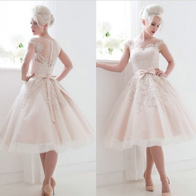 Vintage Style Cap Sleeves bow Lace Tea Length Ball Gown Short Bride gown  2018 short evening party Mother of the Bride Dresses bd6bc586b906