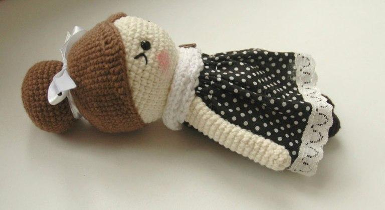 amigurumi-little-lady-doll-crochet-pattern