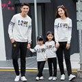 2016 otoño look familia padre madre del bebé aman los deportes t-shirt + pants set ropa a juego familia hijo de madre e hija equipo