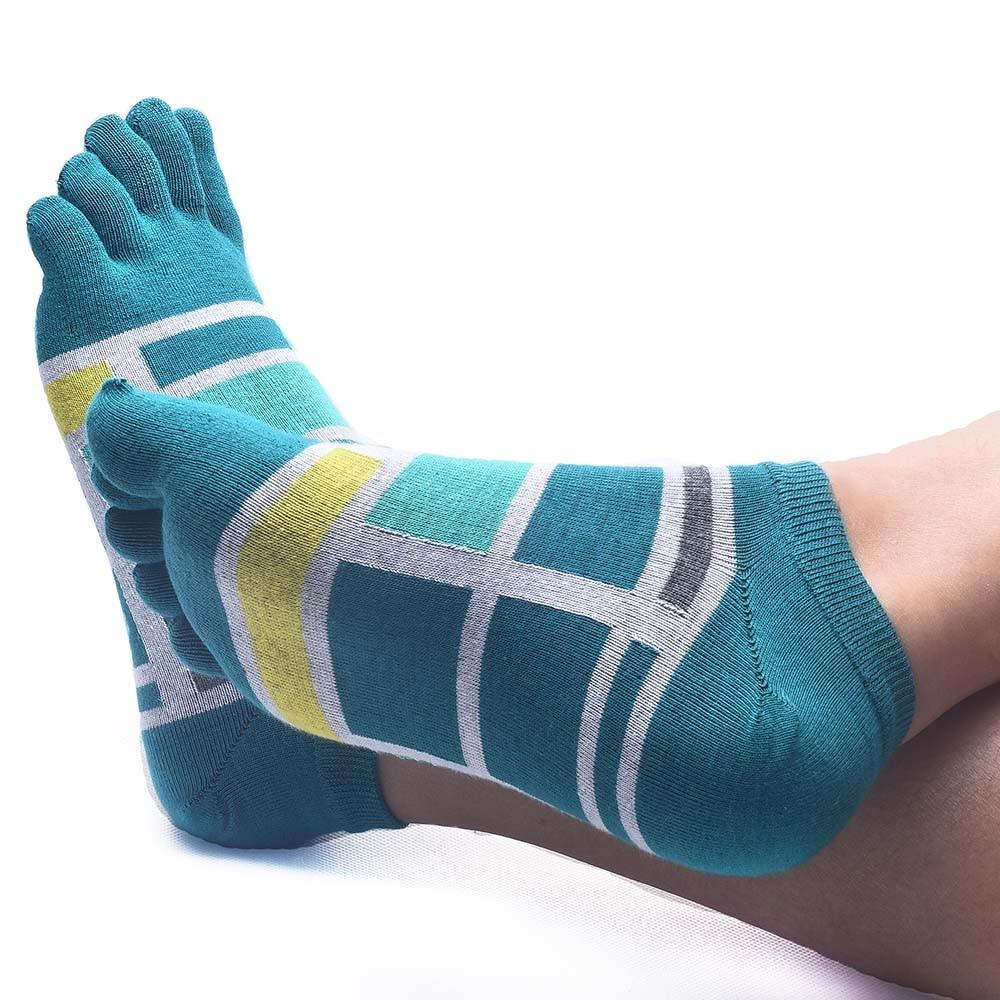 Men Socks combed Cotton Five Finger meias Toe deportes short finger Meias boy socks Brand elasticity Flexible