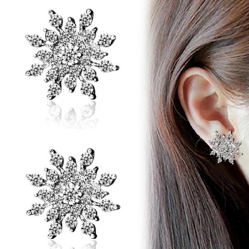 где купить 2015 Fine Jewelry, High Quality Gems Glittering Rhinestone Ear Earrings Female Exquisite Dazzling Zircon Snowflake Earrings дешево